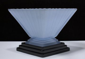 Bagley Glass Wyndam Vase