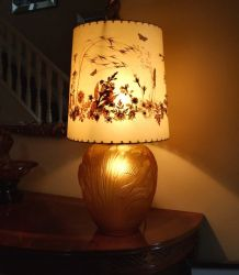 Jobling Glass Bird & Corn Lamp in Frosted Amber (3)