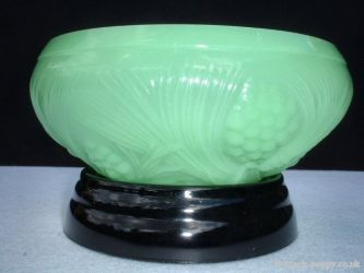 Jobling No. 5000 Fir Cone Pattern Bowl JADE (1)